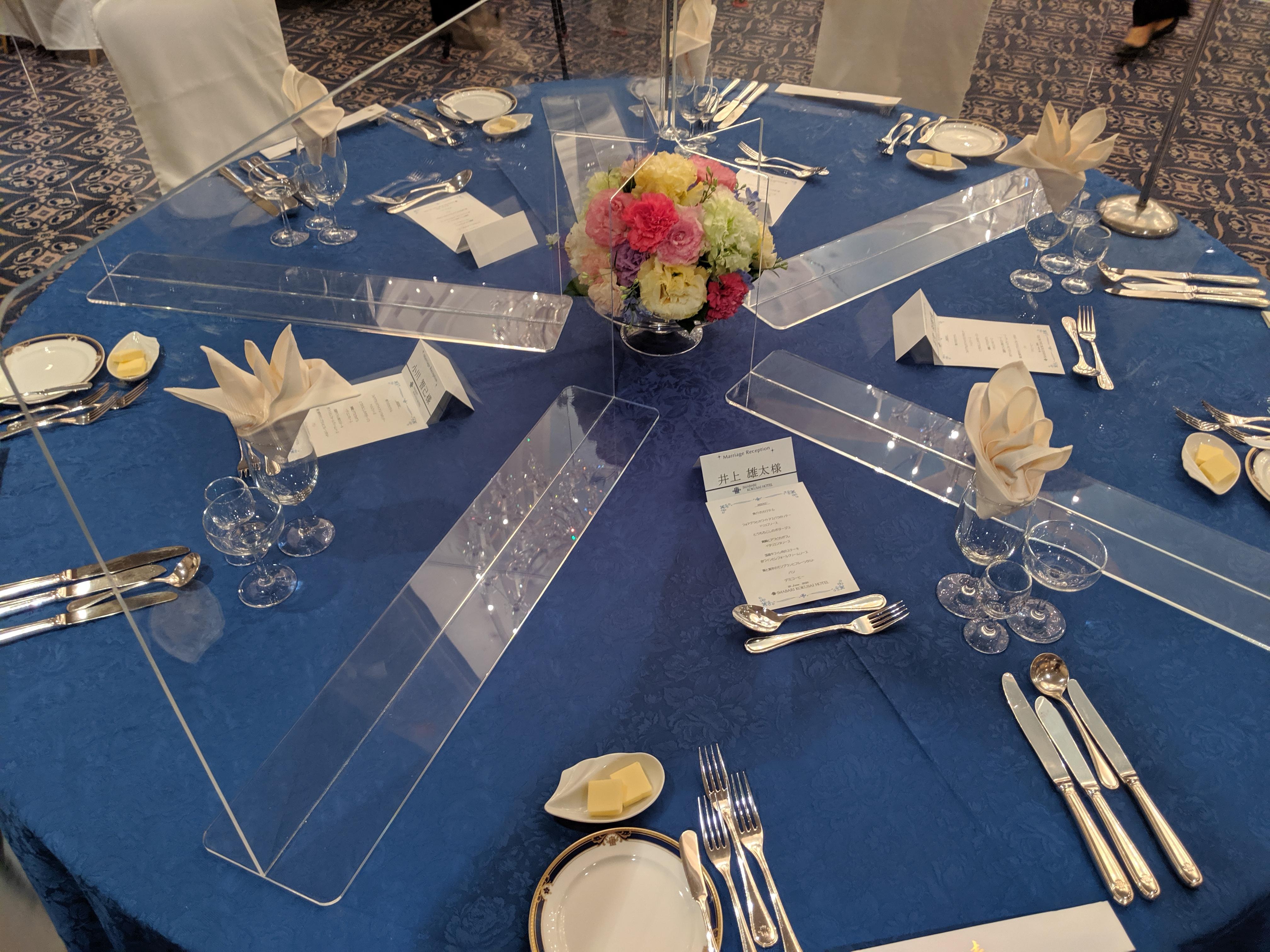 テーブル(アクリル板)